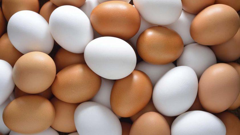 Как да сварите великденските яйца без да ги счупите