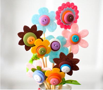 Лесна Великденска декорация с филц - Букет от филцови цветя